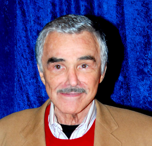 Burt Reynolds - Φωτογραφία: https://commons.wikimedia.org/wiki/File:Burt-Reynolds_2011-04-15_photoby_Adam-Bielawski.jpg#/media/File:Burt-Reynolds_2011-04-15_photoby_Adam-Bielawski.jpg