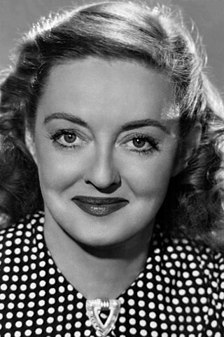 Bette Davis- By Alexander Kahle (1886–1968) for RKO Radio - Wikimedia file, Public Domain, https://commons.wikimedia.org/w/index.php?curid=52171450